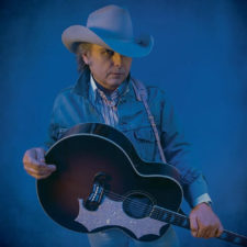 Dwight Yoakam releasing 7″ with Third Man