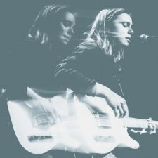 Julien Baker moves to Matador, releasing 7″ single